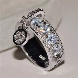 New Women's 925 Silver Elegant  Diamond Ring